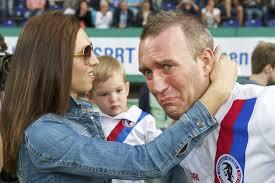 Ex-jogador holandês Fernando Ricksen morre aos 43 anos | VEJA