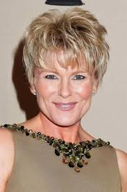 the best pixie haircut for older women