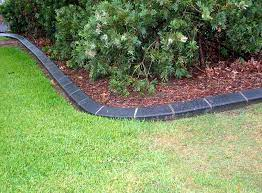how much does concrete edging cost in