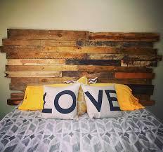 Você já tem a cama. Cabeceira De Pallet 40 Ideias Criativas Fotos E Passo A Passo