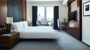 Nyc Bedroom Luxury King Bedroom Hotel Suite With Kitchen Nyc Langham Place