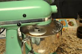 kitchenaid mixer pistachio. my mom bought this mixer in the late 90\u0027s. it\u0027s ultra-power model with a 300 watt motor. it came 4.5 qt bowl as well much smaller one kitchenaid pistachio o