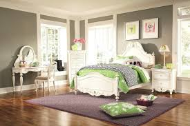 rooms to go area rugs extravagant bedroom small living with for bedrooms home interior 16