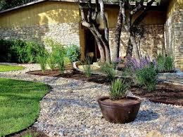 Garten & Pflanzen - Landscaping with gravel and stones - 25 garden ideas  for you