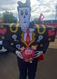 Book of Life: Manolo DIY costumes- Steve Nemeth 2015 | Diy costumes kids,  Diy costumes, Halloween customes