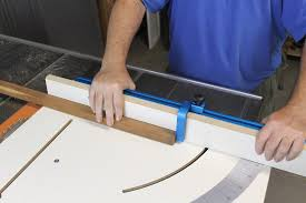 rockler table saw crosscut sled makes your more versatile
