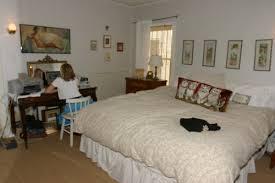 bad feng shui a desk in the bedroom