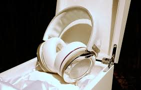 onkyo diamond headphones. thing las vegas does well it\u0027s a bit of bling, and onkyo has come up trumps in that department at ces with pair diamond-encrusted h900m headphones. diamond headphones o