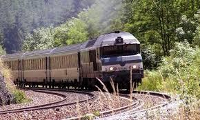 امرأة تفقد حياتها بسبب سيلفي على قضبان القطار في تايلاند images?q=tbn:ANd9GcQ