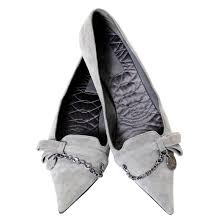 gucci heels. new vintage gucci gray suede shoes chain detail kitten heels medallion 7.5 b for sale at 1stdibs 3