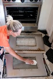 how to clean oven door glass even in