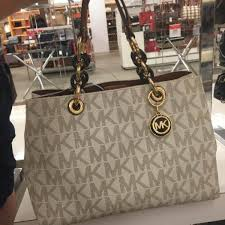 presyo ng authentic michael kors cynthia medium saffiano leather satchel monogram vanilla sa pilipinas