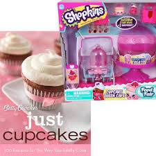 Amazoncom Easyview Shopkins Cupcake Queen Cafe Bundle With Betty