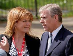 Sarah ferguson and prince andrew divorced in 1996 but have remained close since their split and share a home to this day. Do Sarah Ferguson And Prince Andrew Live Together When Was Their Wedding When Did They Get Divorced And Who Are Their Children