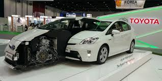 Dubai Municipality takes hold of 3 Toyota Prius Plug-in Hybrid ...