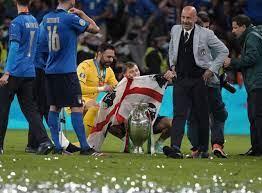 How Sirigu made his teammates cry before EURO 2020 Final - Football Italia