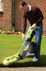 our garden groom review essential gardening tool