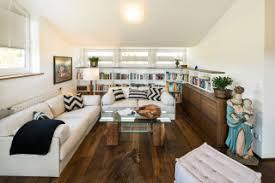 Traditionell ist die wohnwand das optische zentrum des wohnzimmers. 75 Wohnzimmer Mit Dunklem Holzboden Ideen Bilder Dezember 2020 Houzz De