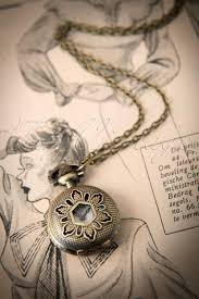 Time to Leaf Necklace watch