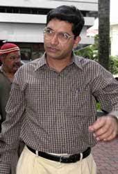 TV Aiyar faces cane and jail for molestation - Telegraph India