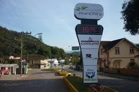 Guia Corupá embeleza Getúlio Vargas com totens luminosos - AMVALI -  Associação dos Municípios do Vale do Itapocu