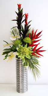 Ideas Original to decorate your table this season Beautiful Faux Flower  Arrangements For Your Inspiration: Table Centerpiece Using Red And Green  Artificial ...