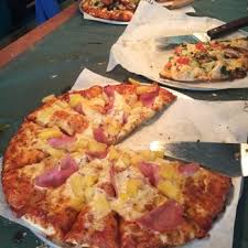 round table pizza 21 photos 60 reviews 15025 n e 24th