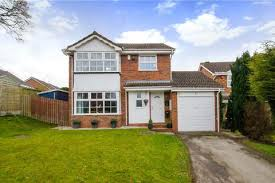 4 Bedroom Detached House For Sale   Foxlydiate Lane, Redditch,  Worcestershire, B97