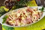 Вкусный салат из кальмаров и помидоров