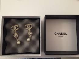 chanel dangling chandelier earrings pearl gold costume jewelry