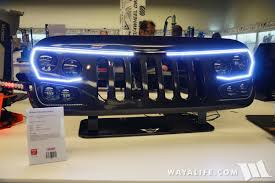 addendum later on in the show oracle swapped out the ugly grill they had on their jeep with this ugly one