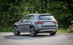 The glc 300 comes with a fair share of standard features. 2020 Mercedes Benz Glc350e Gets Bigger Battery Added Power