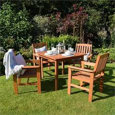 greenfingers chessington 4 seater