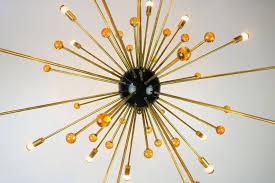 Italienischer Sputnik Kronleuchter In Schwarz Gold Und Orange Von Stilnovo 1950er
