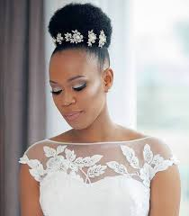 Coiffure Cheveux Court Afro Mariage Meches Blondes 2018