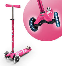 Micro Light Up Scooter Micro Kickboard Maxi Deluxe Led 3 Wheeled Lean To Steer Swiss Designed Micro Scooter For Kids With Led Light Up Wheels Ages 5 12 Pink