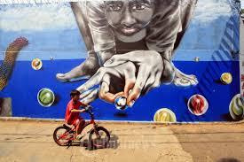 Hasil gambar untuk gambar mural