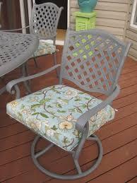 patio furniture redo using spray paint by amy chris