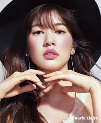 2016 april marie claire make up by lee young