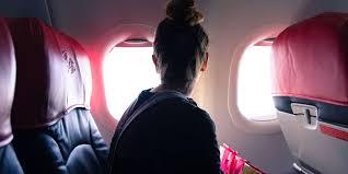 fille au avion