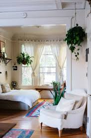 rootsgrowdeeper: grayskymorning: Luisa Brimble this. down to the rugs and  hanging plants and