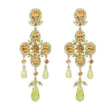 18kt yellow gold classic victorian chandelier earring in peridot and garnet
