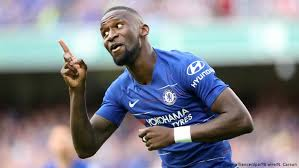 Born 3 march 1993) is a german professional footballer who plays as a centre back for premier league club chelsea and the germany. Nationalspieler Antonio Rudiger Rassistisch Angefeindet Sport Dw 23 12 2019