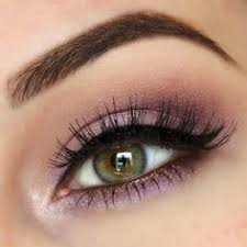 10 makeup tips and tricks for hazel eyes herinterest a lot of hazel eyes have plenty of green flakes hiding inside but if you re not wearing the