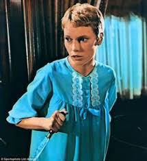 Fue protagonizada por mia farrow, john cassavetes, ruth gordon y sidney blackmer. 130 Mia Farrow Fashion Ideas Mia Farrow Rosemary S Baby Fashion