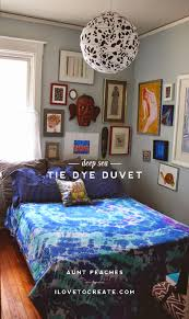 tie dye is always a popular summer project but isn t it nice to make something to be used indoors year round this blue on blue deep sea inspired bedspread