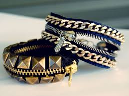 diy two zipper bracelet tutorials for lots more zipper crafts from jewelry to fashion