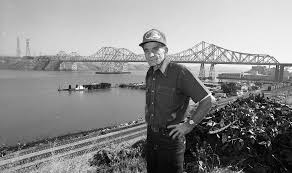 He fell 'half way to hell' off the <b>Golden Gate Bridge</b> and became a ...