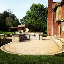 burdine outdoor kitchen and paver patio in maineville ohio