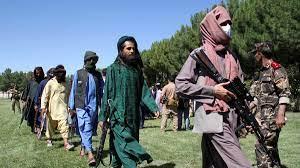 """طالبان تدخل قندهار.. """"سيطرنا على 85% من أفغانستان"""""""